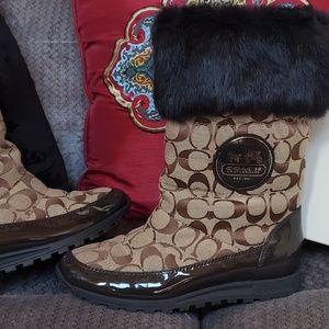 ❤NWOT❤COACH Fur Trim Boots Sz 7.5